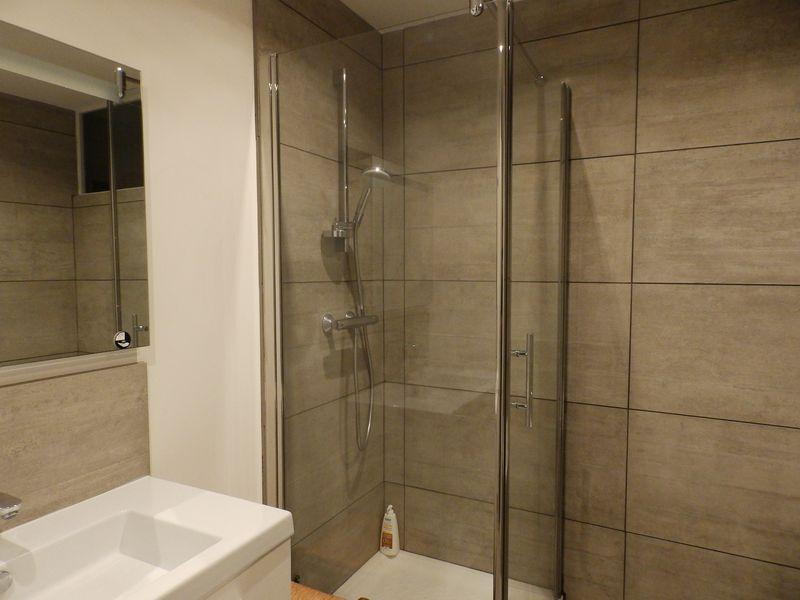 r novation d 39 une salle de bains lille ocordo travaux lille. Black Bedroom Furniture Sets. Home Design Ideas